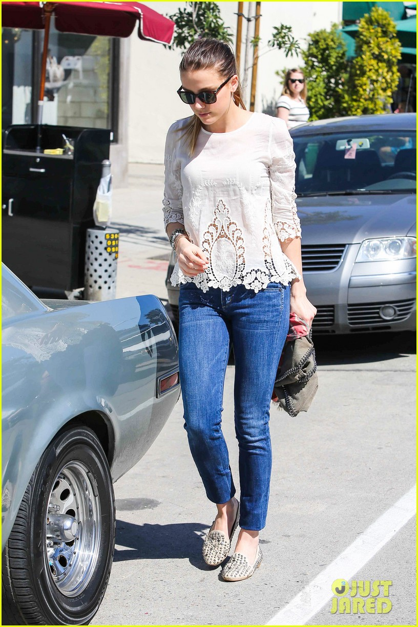 amber heard urth caffe day 082831084