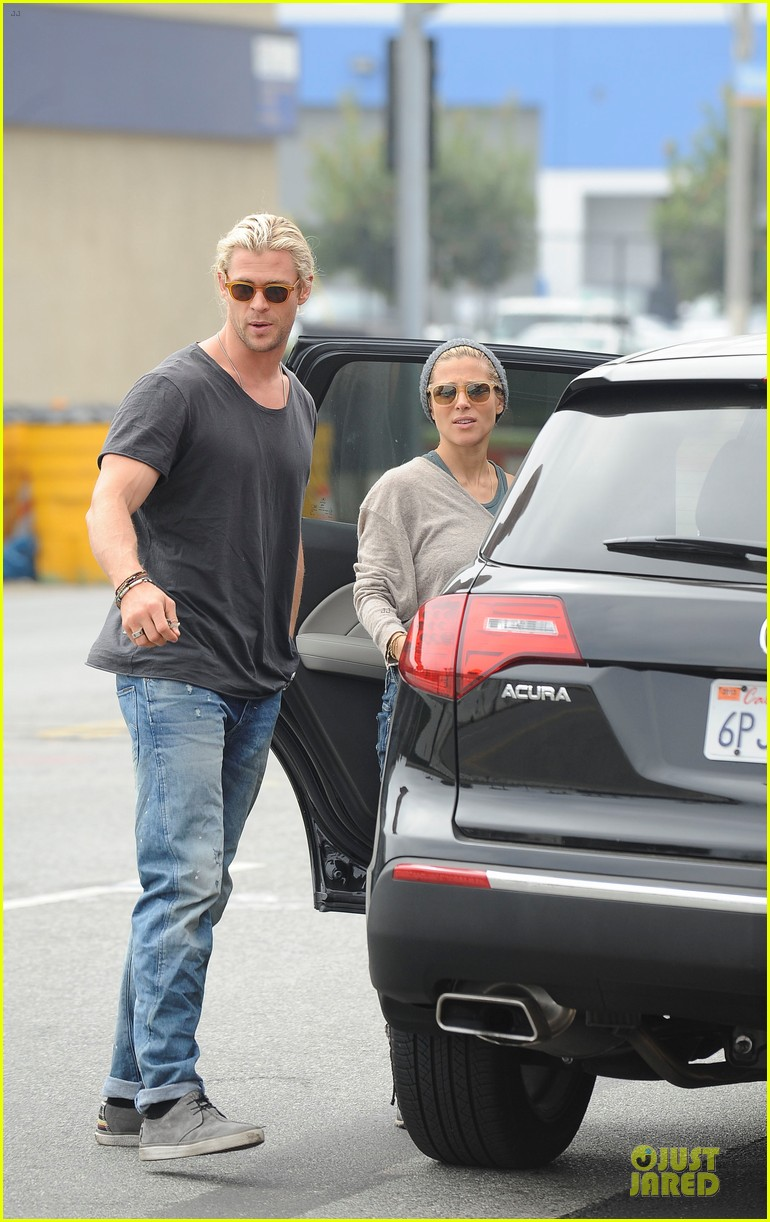 Chris Hemsworth & Elsa Pataky: Rug Shopping with India ...