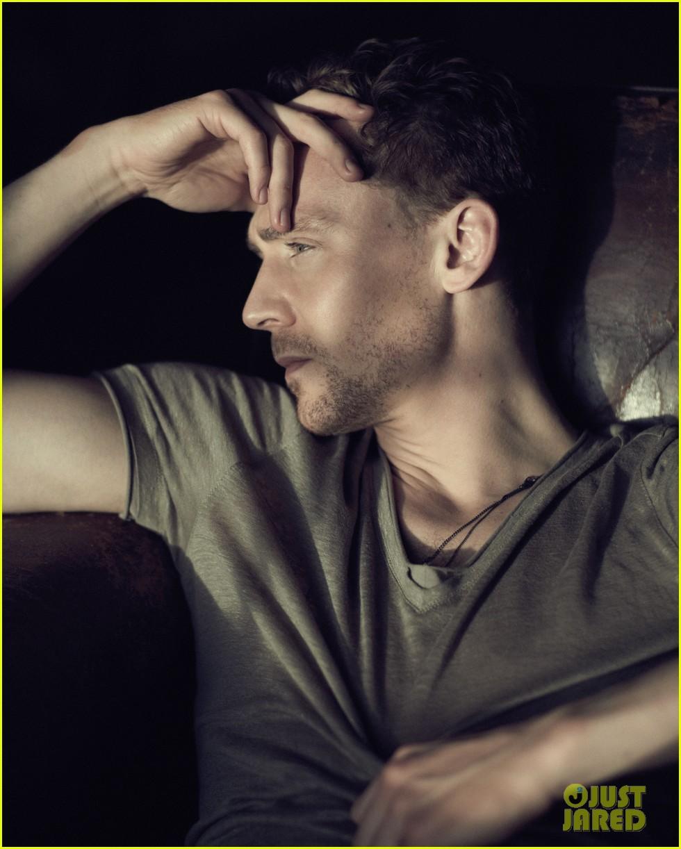 tom hiddleston flaunt magazine feature 042839636