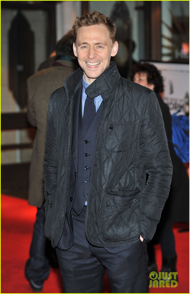 http://cdn01.cdn.justjared.com/wp-content/uploads/2013/03/hiddleston-mormon/tom-hiddleston-damian-lewis-book-of-mormon-in-london-02.jpg