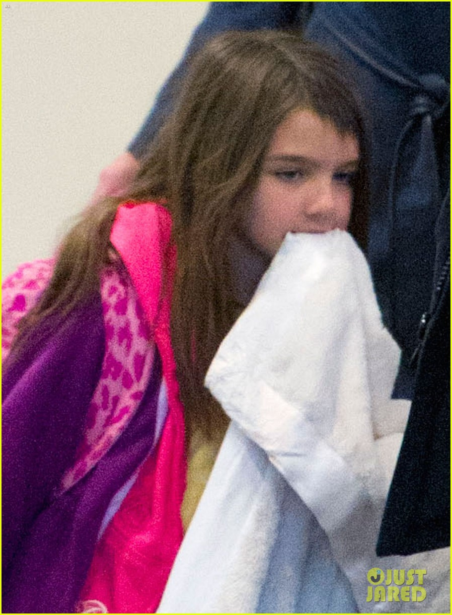 katie holmes suri back from disney world 022839362