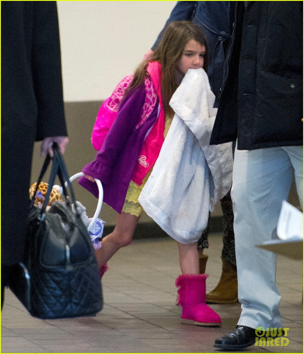 katie holmes suri back from disney world 042839364