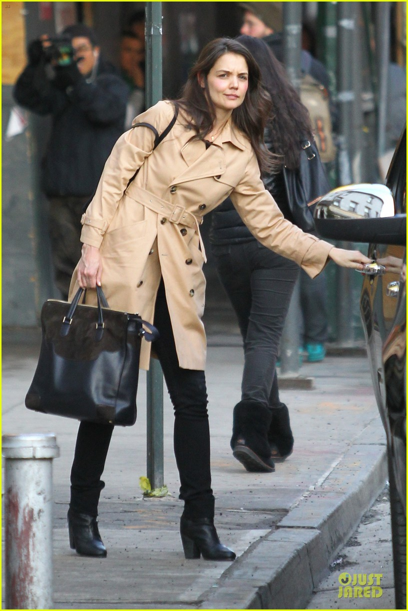 katie holmes big apple diner with male pal 122834236