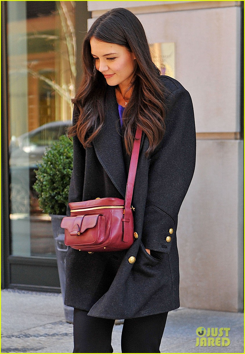 katie holmes lunch date with mom 012825951