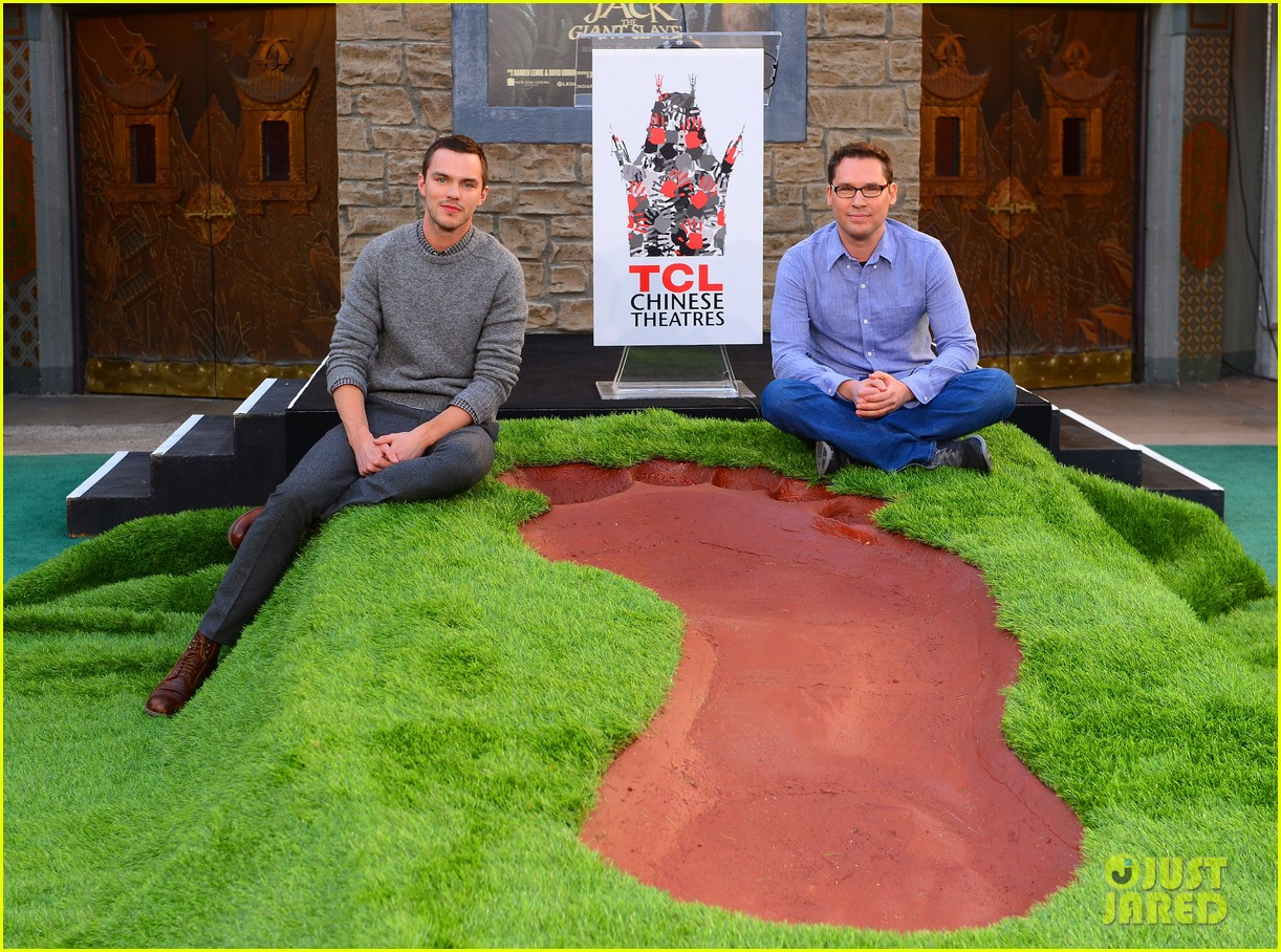 nicholas hoult jack the giant slayer footprint unveiling 012822715