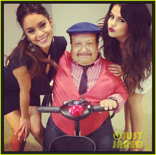 vanessa hudgens selena gomez chelsea lately tonight 01