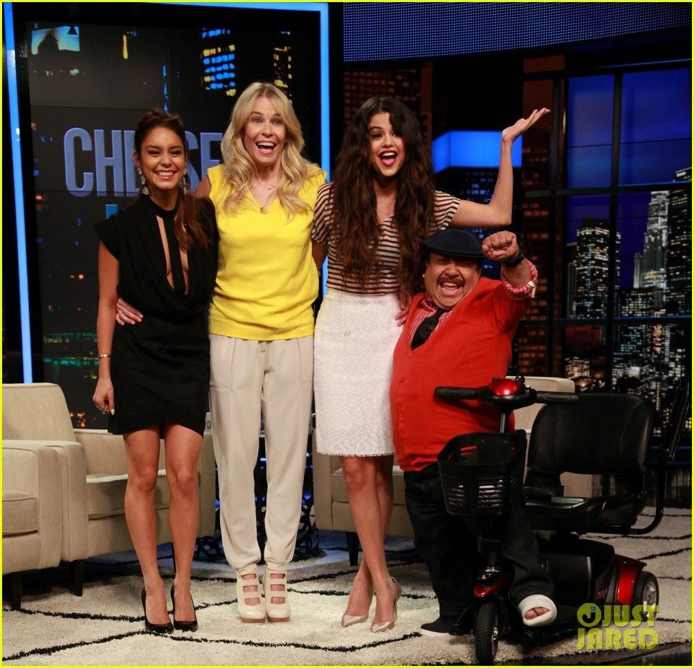 vanessa hudgens selena gomez chelsea lately tonight 022835302