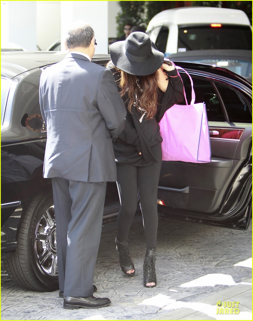 vanessa hudgens selena gomez separate hat covering outings 162831545