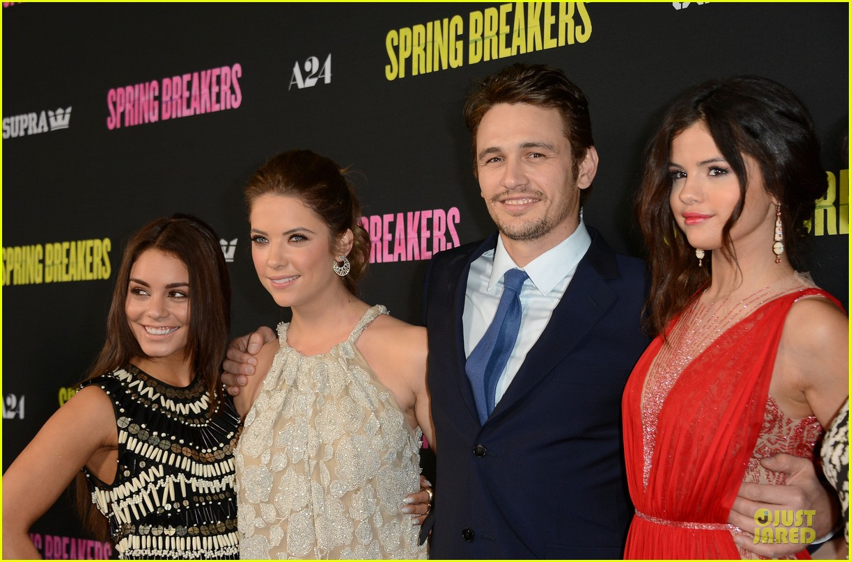 vanessa hudgens ashley benson spring breakers hollywood premiere 042830809