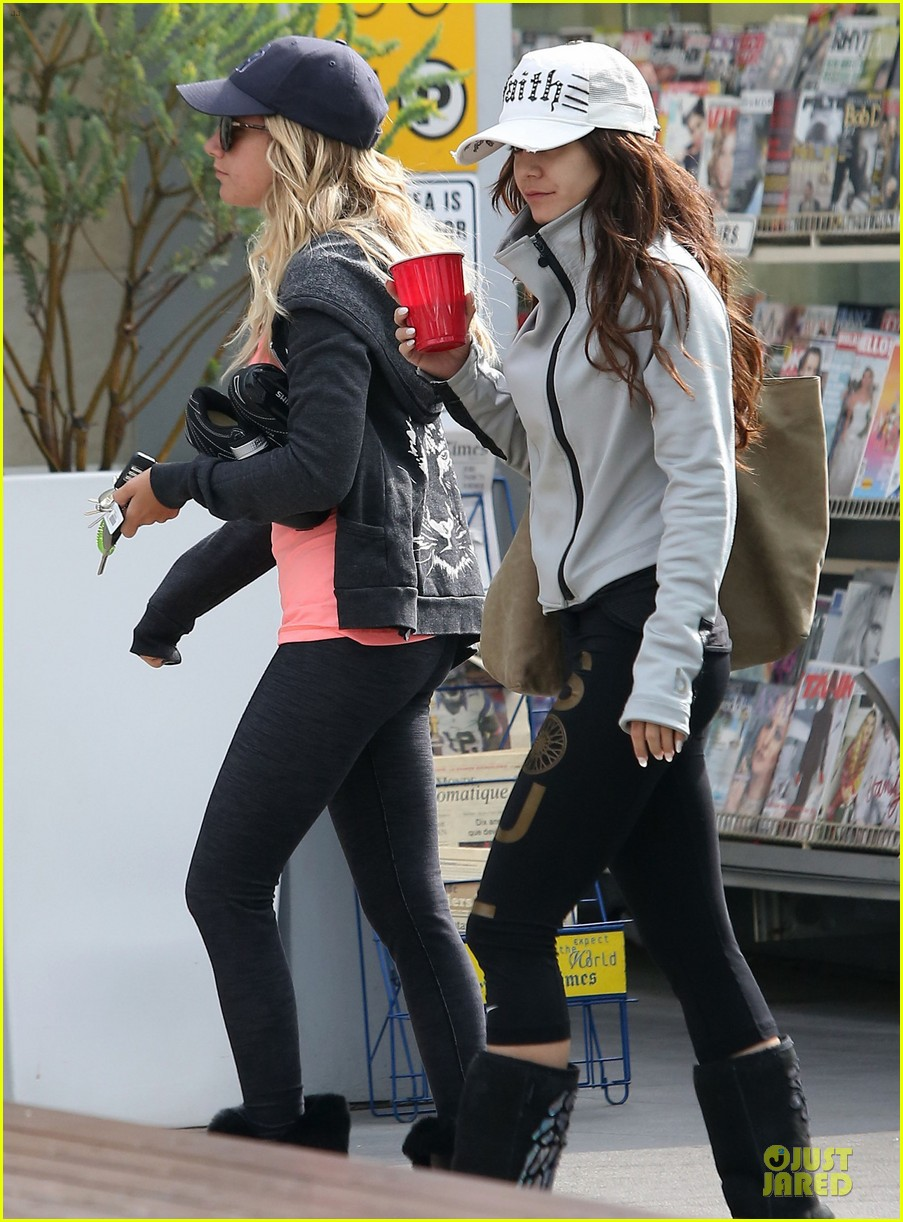 vanessa hudgens gym workout with ashley tisdale 012833920