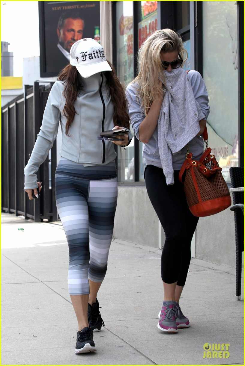 vanessa hudgens gym workout with ashley tisdale 052833924