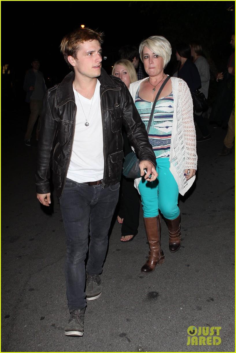 josh hutcherson bowling night with mom 042829255