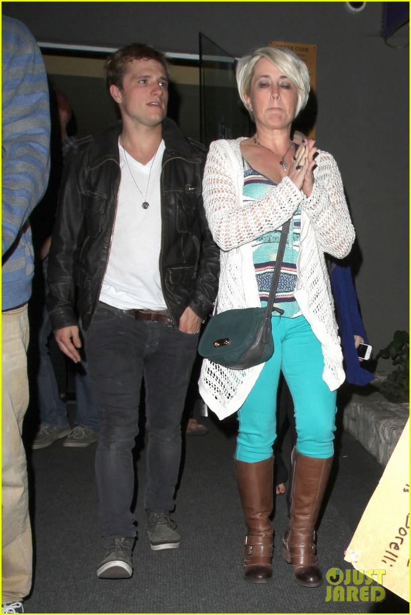 josh hutcherson bowling night with mom 072829258