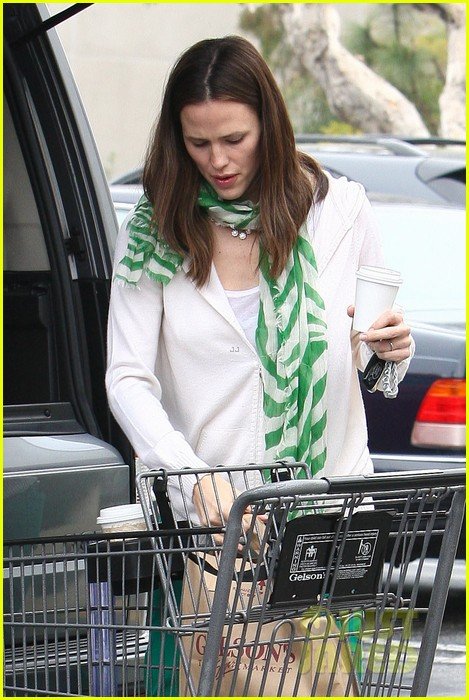 jennifer garner st patricks day shopping with seraphina samuel 042833658