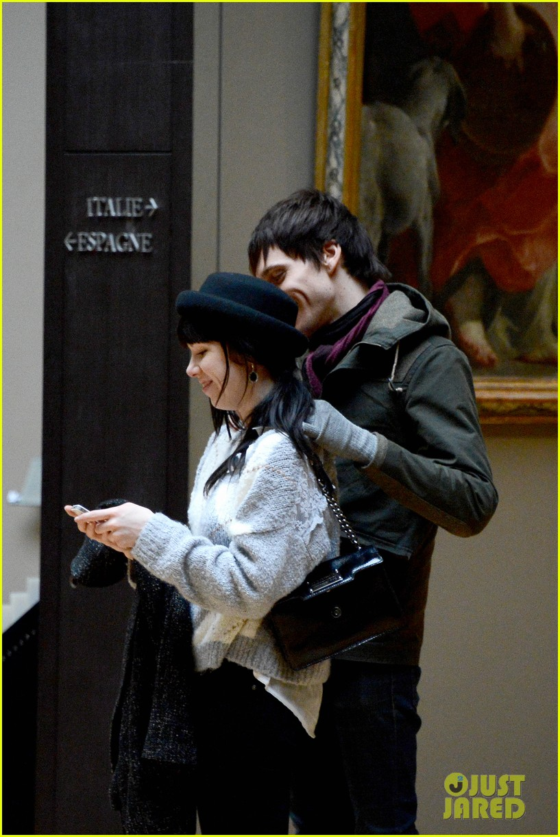 carly rae jepsen matthew koma louvre lovebirds 042833493