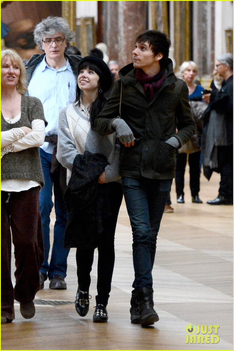 carly rae jepsen matthew koma louvre lovebirds 092833498