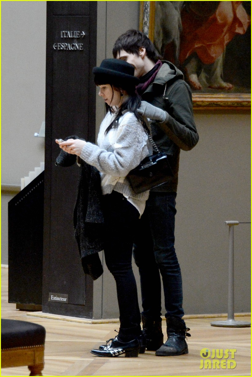 carly rae jepsen matthew koma louvre lovebirds 142833503