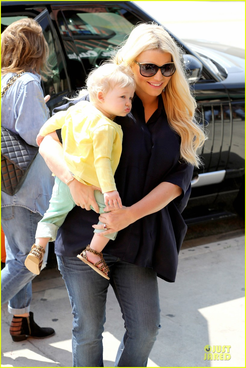 jessica simpson ashlee simpson don cuco sisters duo 132831562