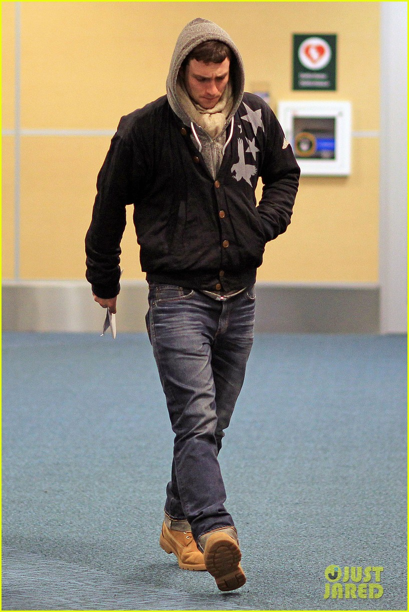 aaron taylor johnson bryan cranston godzilla begins filming 072829345