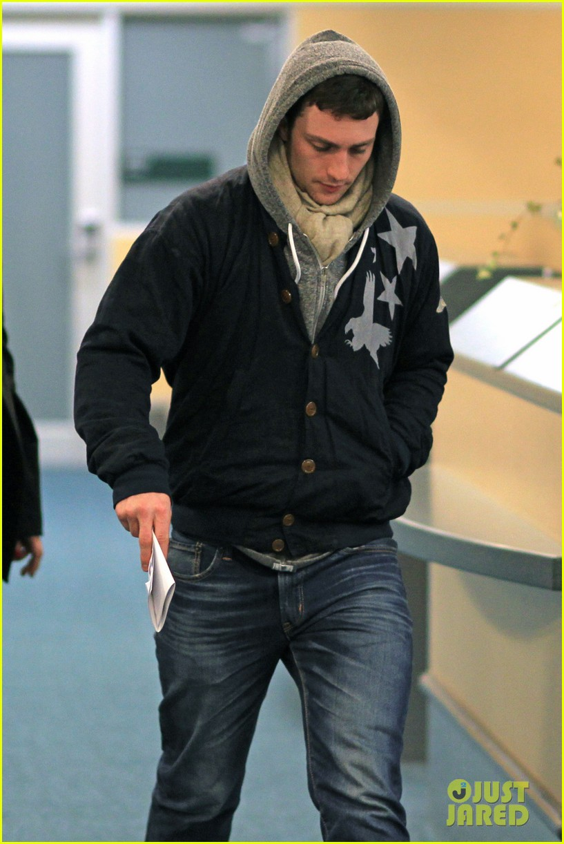 aaron taylor johnson bryan cranston godzilla begins filming 082829346