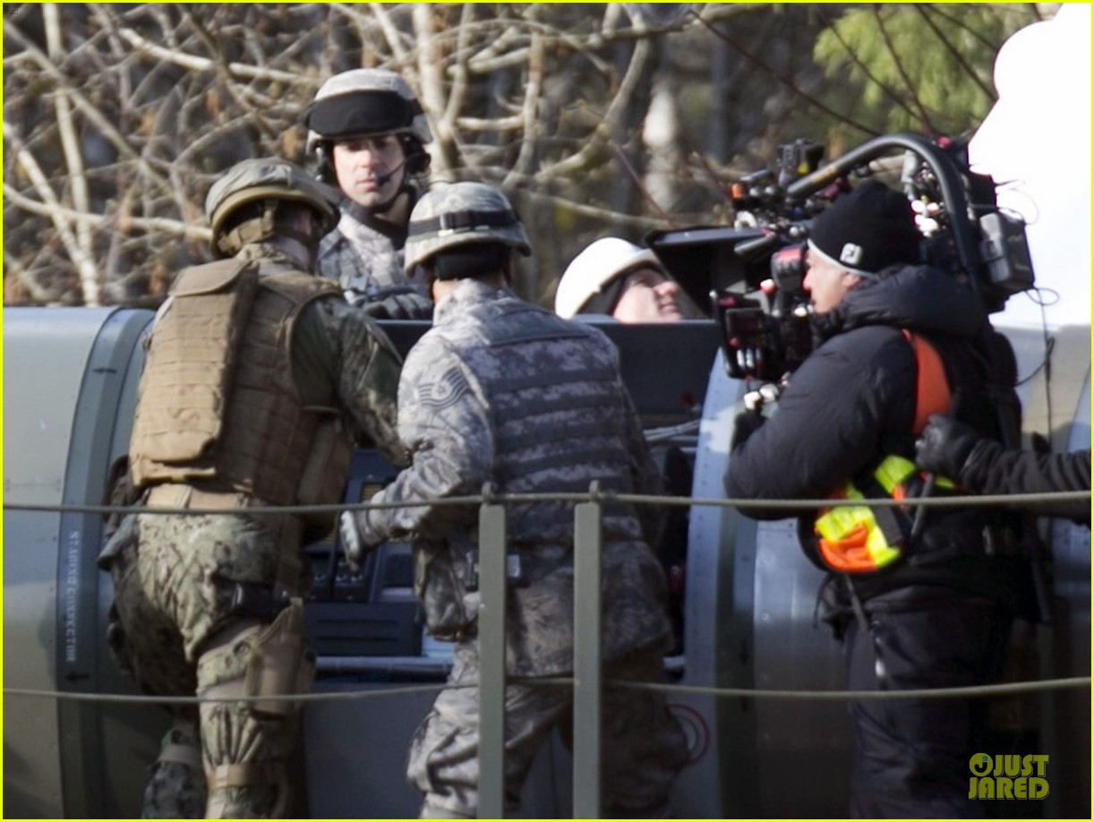 aaron taylor johnson military uniform on godzilla set 082835968