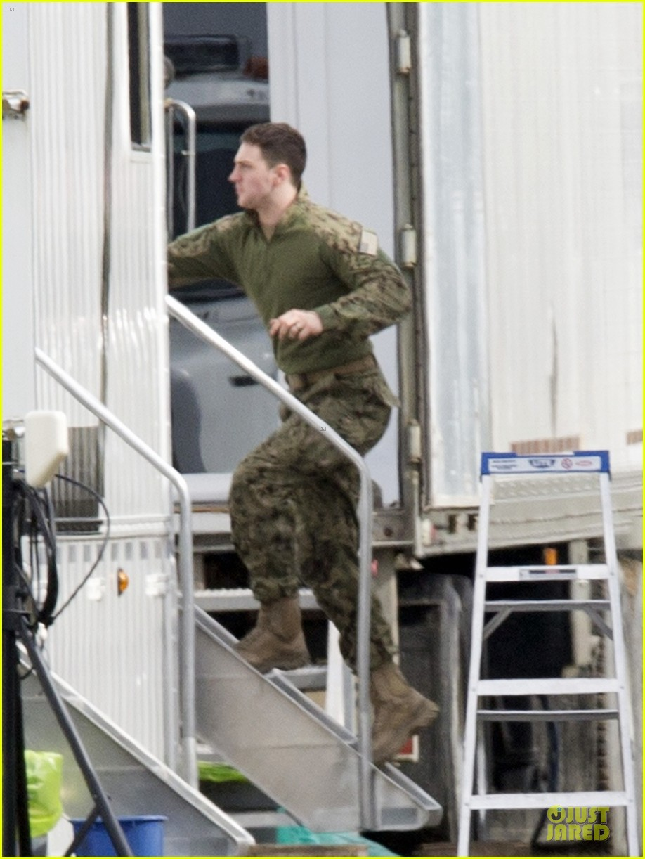 aaron taylor johnson military uniform on godzilla set 222835982