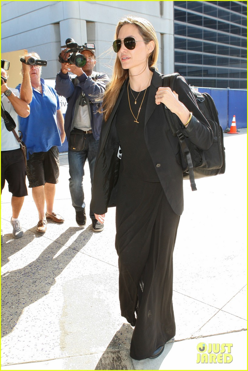 angelina jolie lands in los angeles after congo trip 09