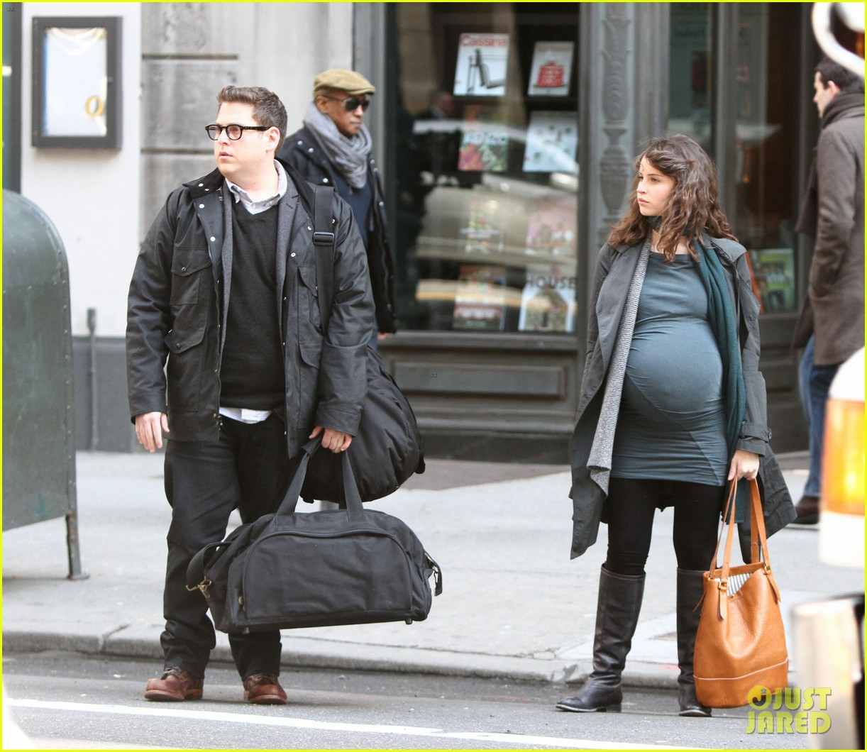 felicity jones fake baby bump for true story 062834663