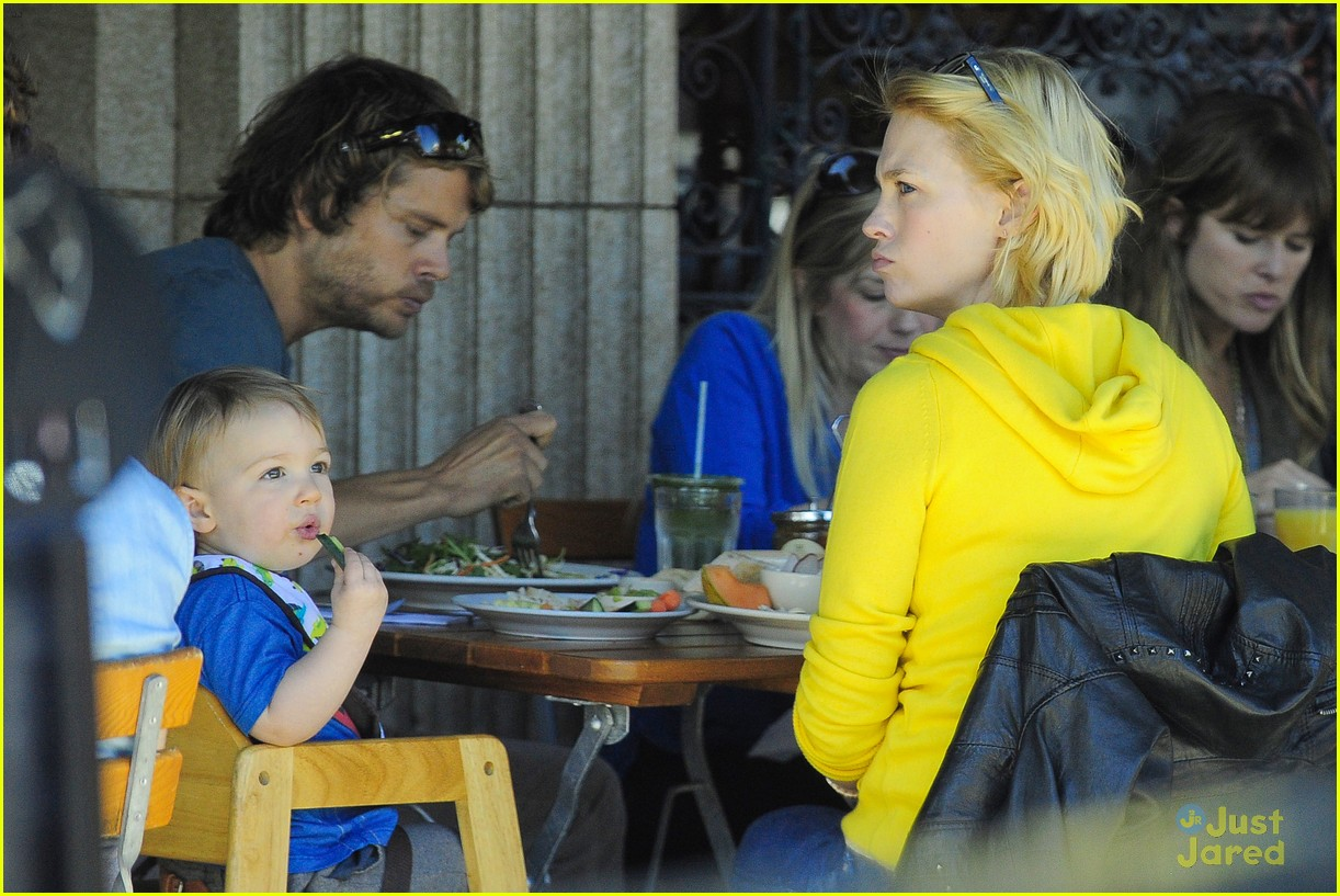 january jones xander le pain quotidien lunch 172825171