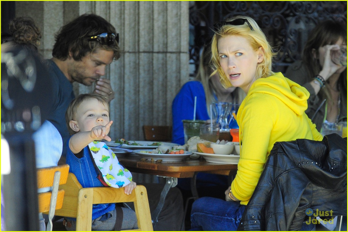 january jones xander le pain quotidien lunch 212825175
