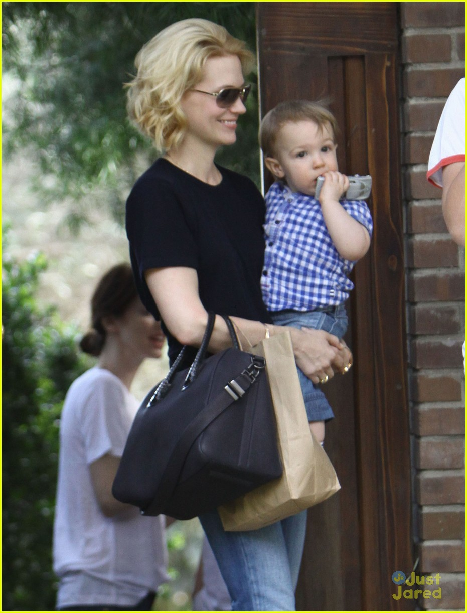 january jones xander le pain quotidien lunch 622825216