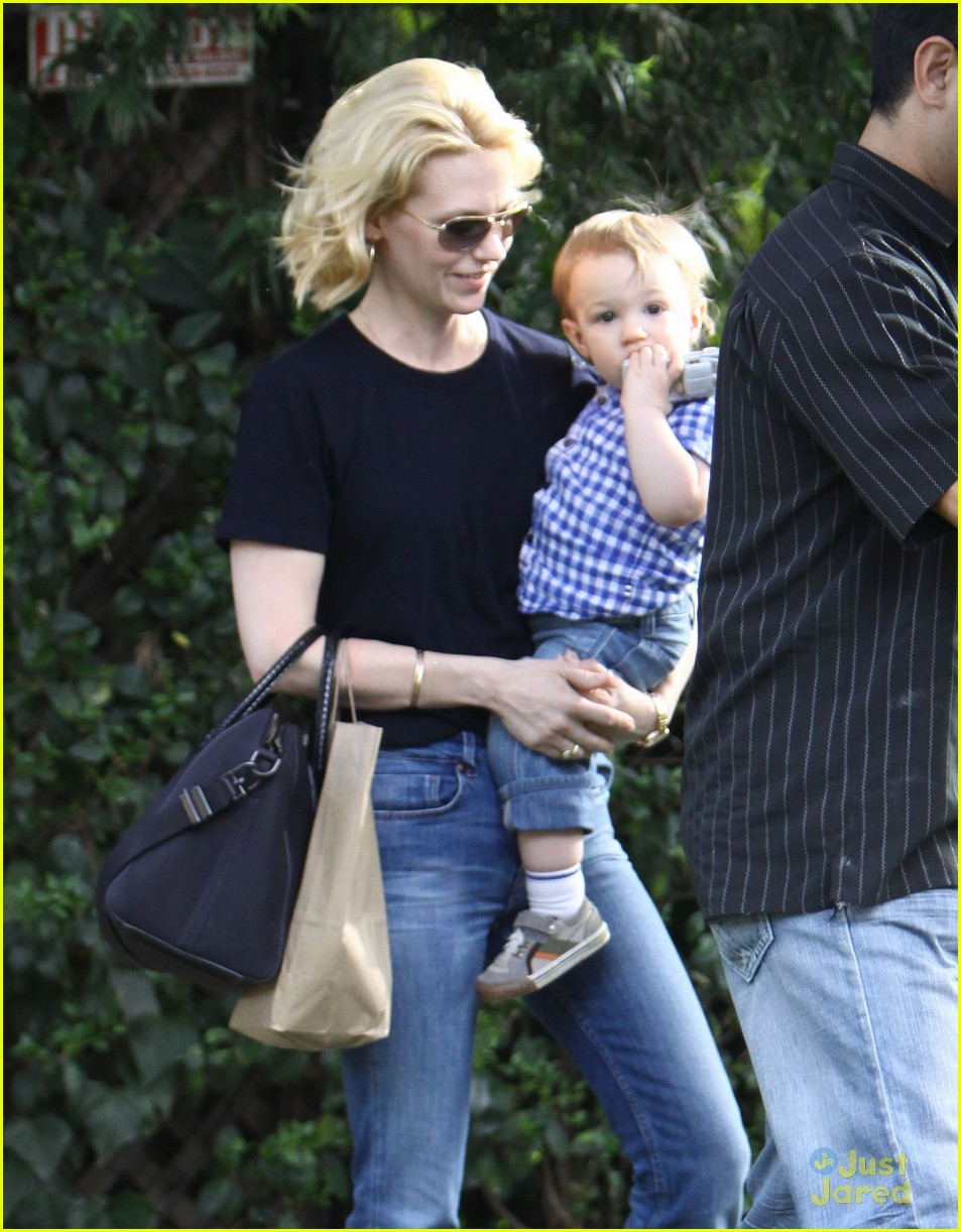 january jones xander le pain quotidien lunch 66