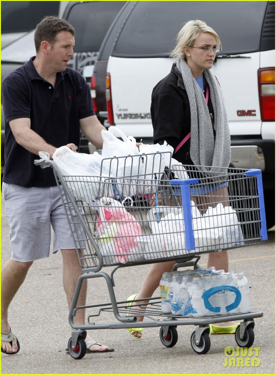 jamie lynn spears grocery shopping with jamie watson 032840636
