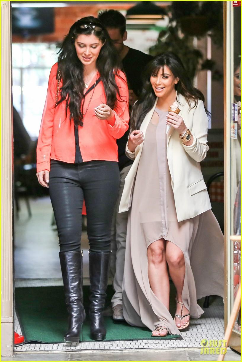 kim kardashian atlanta landing for temptation premiere 032831591