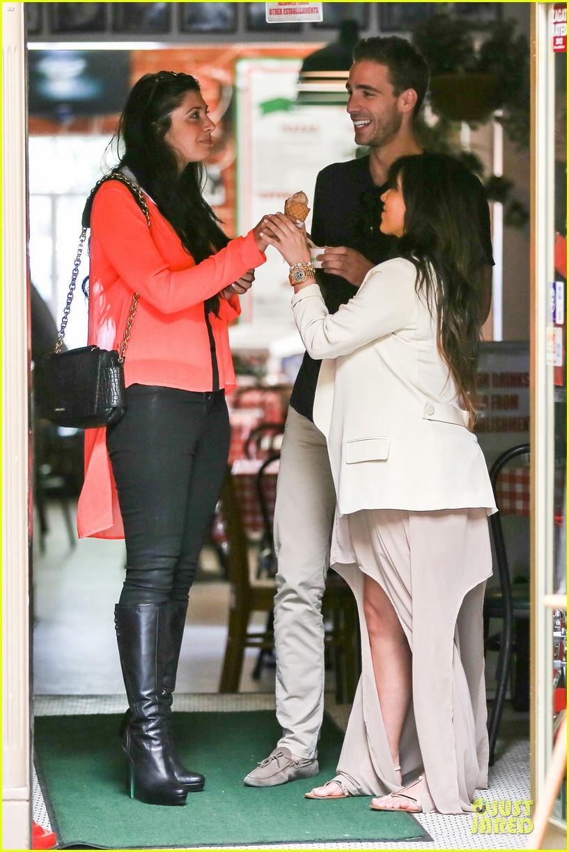 kim kardashian atlanta landing for temptation premiere 122831600