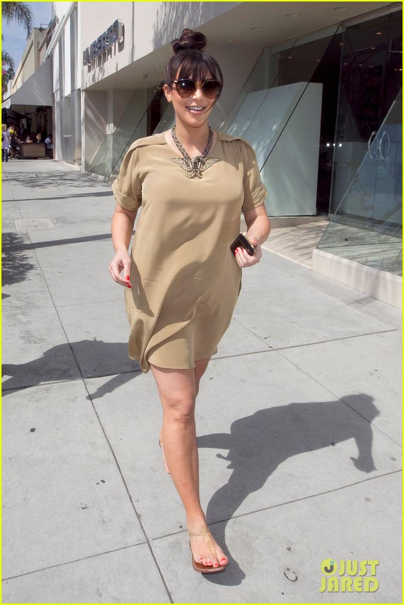 khloe kardashian kids choice awards 2013 red carpet 052836420