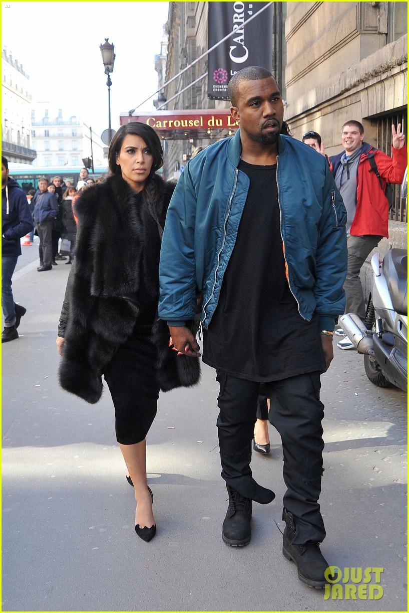 pregnant kim kardashian kanye west palais de tokyo visit 072824802