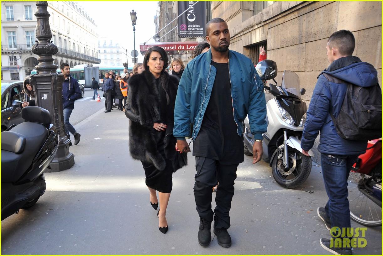 pregnant kim kardashian kanye west palais de tokyo visit 082824803