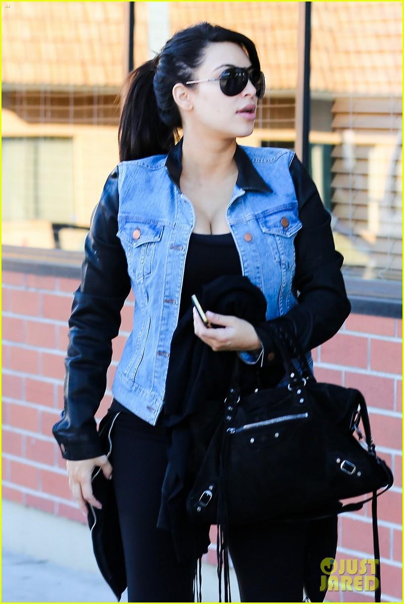 kim kardashian loves expectant mom parking spots 022823268