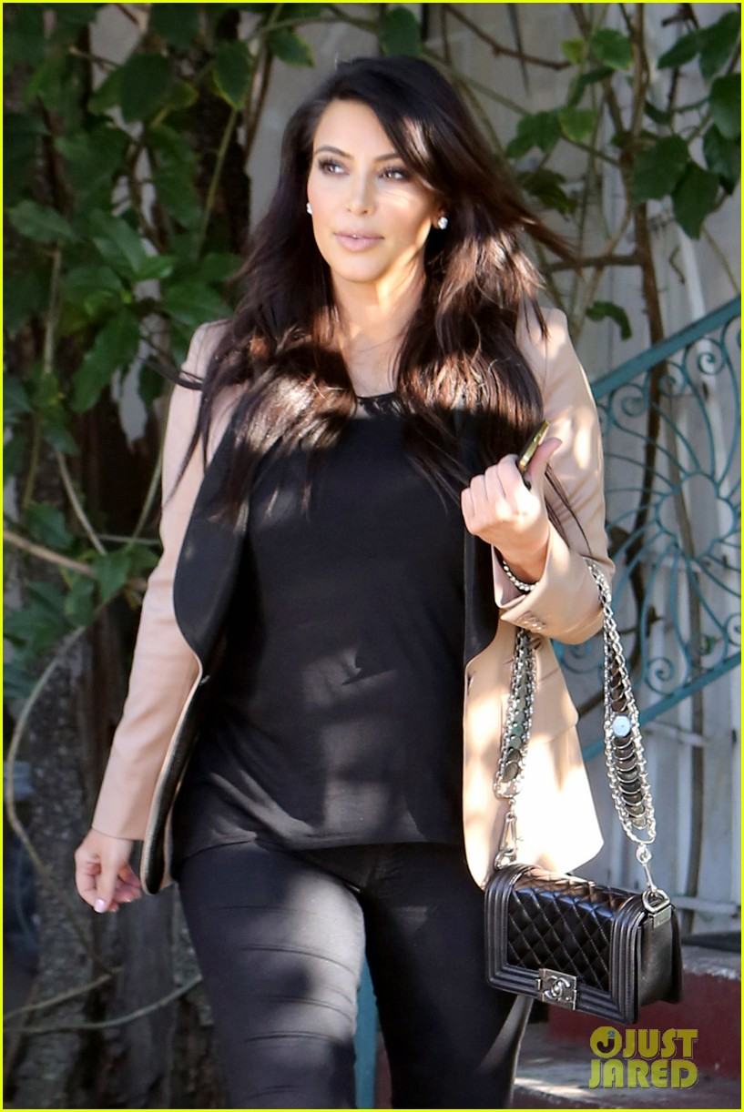 kim kardashian loves expectant mom parking spots 042823270