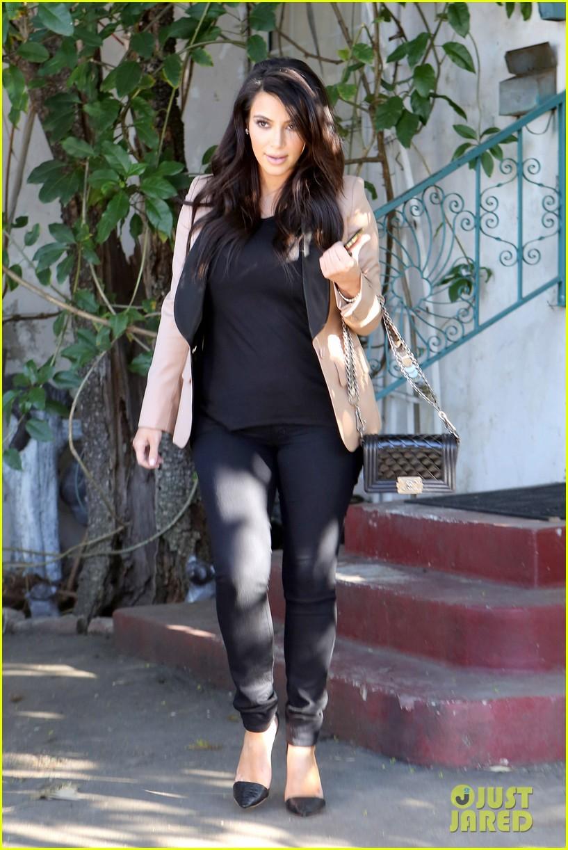 kim kardashian loves expectant mom parking spots 192823285