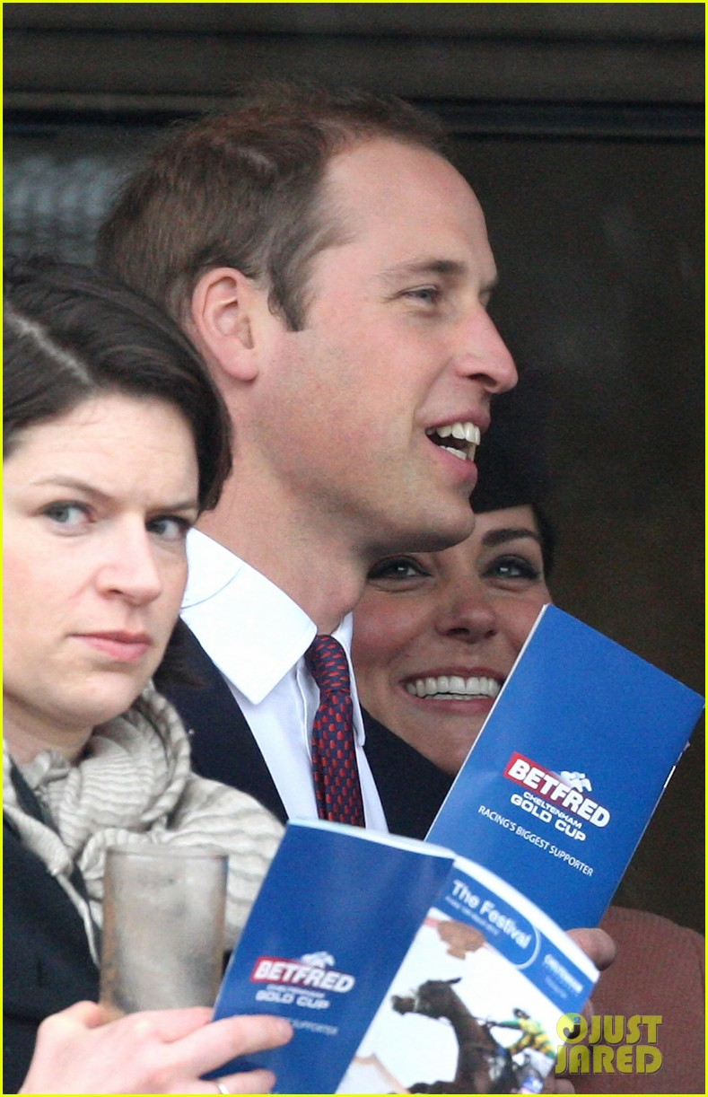 kate middleton pregnant cheltenham visit with prince william10