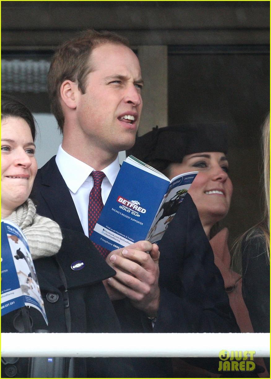 kate middleton pregnant cheltenham visit with prince william112831108