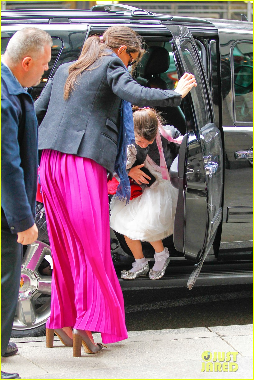 katie holmes easter party with suri 132841090