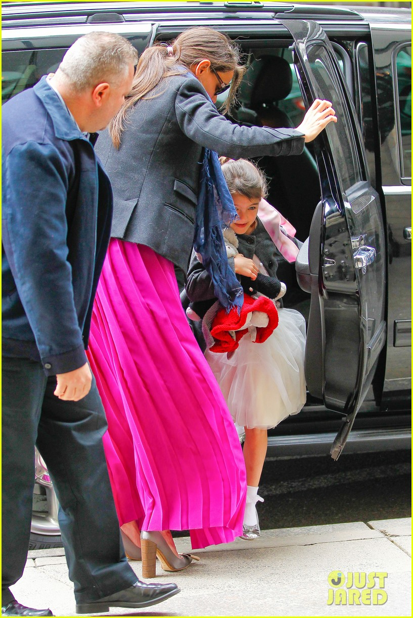 katie holmes easter party with suri 142841091