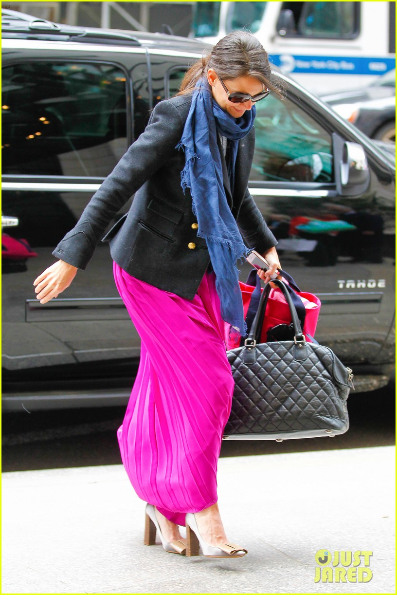 katie holmes easter party with suri 192841096