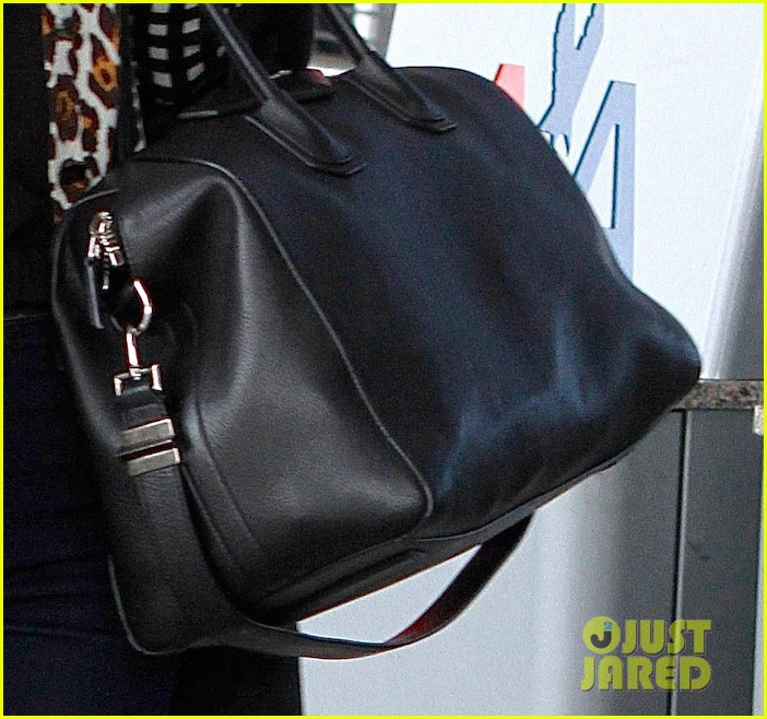miranda kerr jfk arrival 05