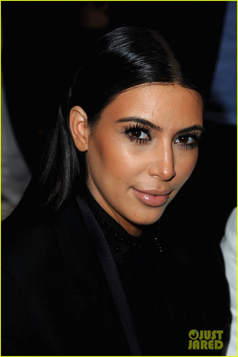 kim kardashian kanye west givenchy show couple 02