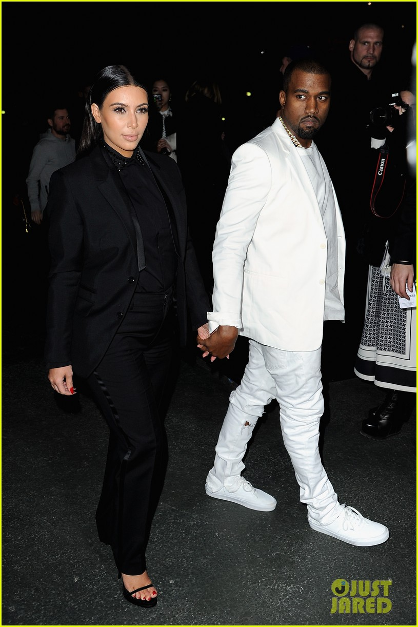 kim kardashian kanye west givenchy show couple 06