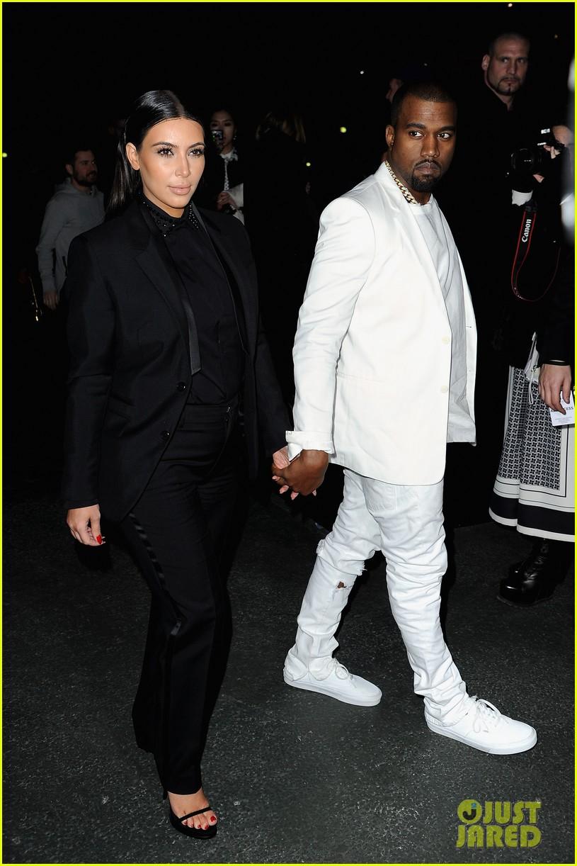 kim kardashian kanye west givenchy show couple 06